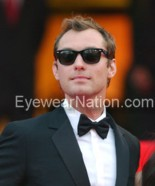 Jude Law wearing the Ray-Ban Wayfarer